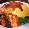 フライヤ - 料理写真:チキンライスの上にドッカーンとふわふわ卵です♫