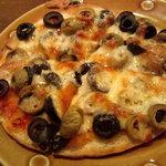 11136152 - オリーブのピタピザ