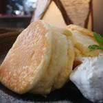クレープ&パンケーキ ラプソディー - マスカルポーネのパンケーキアップ