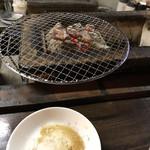 ホルモン処 川崎横丁 - 炭火焼豚タンと豚ハラミ