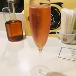 シシリヤ - ドリンク写真:スパークリングワイン