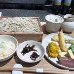 蕎麦バル 七兵衛 - そばバル特製デリプレート 1380円