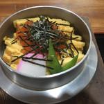 釜めし蔵 - 料理写真:いくらとシャケの釜飯