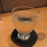 そば 長谷川 - 冷酒をグラスで