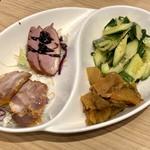新荘園 - 四種前菜食べ比べ