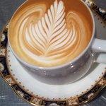 プレストコーヒー - カフェラテ リーフのアート ¥550