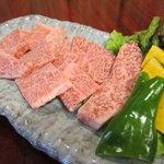 焼肉専門店 義城苑 - 和牛ロース 780円(税抜) 和牛のリブロース使用!食べる価値有過!