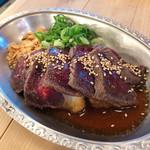都久志屋 - 馬肉のたたき 1,299円