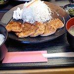 11140087 - 網焼豚生姜定食880円