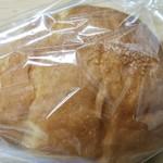 111401551 - 塩バターパン。トースターすると風味がグッド。
