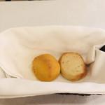 リストランテオガワ - 自家製パン