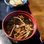炭火焼鳥ダイニング ROBATA家 篤まる - 料理写真:みそ汁