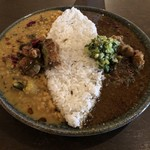 curry bar nidomi - あいがけ900円
