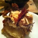 ミニヨン 坂ノ上 - コロダッチの焼きリンゴとアイスクリーム(取り分け後)