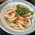 根ッ子うどん - だし醤油の風味香る温麺、馴染み絡みも抜群。