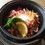 アジアナ茶廊 - 料理写真:ランチ:魚(ナシゴレン)「小海老と温泉玉子の十六穀米ナシゴレン」