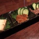 日本酒&ワイン Shu-la-mer - 珍味三種 味噌漬けチーズ豆腐、タコのチャンジャ、酒盗