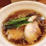 中華そば うえまち - 料理写真:中華そば醤油