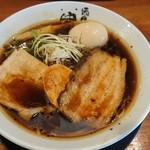 麺匠 中うえ  - 料理写真:淡麗醤油ラーメン(^^)/煮玉子トッピング