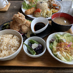 カフェ クウワ - 唐揚げ定食 バルサミコソース