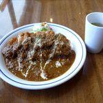 小さなキッチンレストラン よっしーの店 - カツランチ、チキンカツ、バターライス、カレーソース、スープ付き(760円)