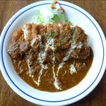 小さなキッチンレストラン よっしーの店 - チキンカツランチカレーソースのアップ