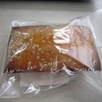 パティスリーCercle - 料理写真:信州味噌フィナンシェ(表)