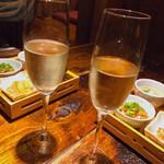 南欧風味堂 桝屋 - スパークリンググラスワイン ¥780+税 (スパークリングは いづれか2杯づつ お願いします との事 Σ( ̄。 ̄ノ)ノ)