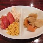 ヌクヌク - 料理写真:サラダバイキングの野菜と鶏じゃが