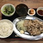 京都ホルモン 梅しん - ●南国フルーツポークの 豚バラ定食 ダブル ¥980税込 ライス大盛は無料 ・サラダ ・ワカメスープ ・白菜キムチ