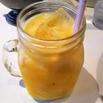 111464460 - マンゴーラッシー!冷えてないのでかき混ぜましょう。味はフルーツ牛乳に近い!