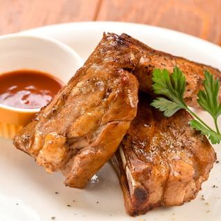 鴨・豚・鶏など、多彩な肉が充実