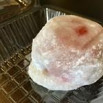 甘味処たかね - 新発売 夏秋いちごの大福  380円