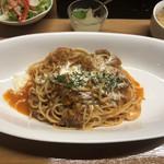 オレガノ食堂 - 国産宮崎牛すじのトマト煮込みのスパゲッティ