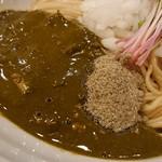 布施丿貫 - 「黒鮑肝の和え玉(冷)」の黒鮑肝のペーストのアップ