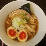 麺ゃ しき - 料理写真:醤油しき麺(^^)/玉子トッピング