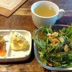 燻製料理専門店 SMOKE WORKS - ランチに付く〈サラダ・前菜2品・スープ〉