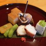 日本料理 たかむら - 八寸:北海道数の子、バイ貝、秋田蛸、枝豆
