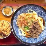 吉田のうどん さくら - 肉ソースうどん大盛り600円+とりめし200円