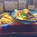 吉田のうどん さくら - とりめし+肉ソースうどん大盛り
