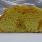 1度はたちよってみたいメロンパン屋 ウィズフランベ - メープルメロンパン(断面)