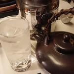 懐石 宿 扇屋 - 芋焼酎 水割り清 900円(一合)