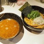 麺処 いっぱく - 料理写真:焦がしにんにくつけ麺 850円