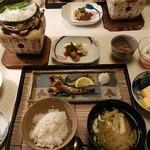 懐石 宿 扇屋 - 朝食全景