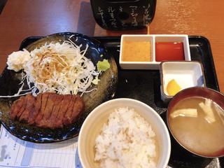 牛かつ冨田 - 牛かつ麦飯セット
