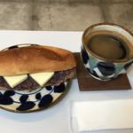 レット イット ビー コーヒー - あんバターサンドとアメリカーノで950円