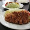 とんかつ いそ - 料理写真:ロースかつ定食(950円)