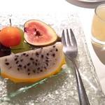 SUN TUNG LOK CHINESE CUISINE - フレッシュフルーツの盛り合わせ