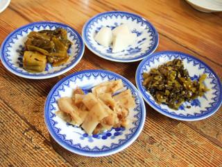 名島亭 - 高菜、メンマ、お漬物