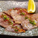 博多あじ処 はす屋 - 豚タンのオイル焼き ガーリックペッパー風味